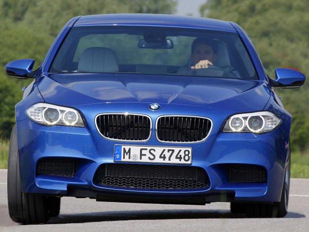 Nova geração do BMW M5 tem motor 4.4 V8 bi-turbo - Crédito: Foto: Divulgação