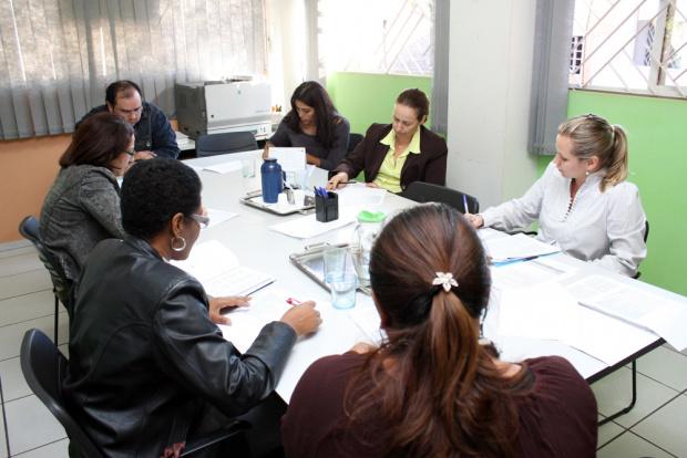 Comissão organizadora se reúne para definir publicação de edital do concurso da Câmara - Crédito: Foto: Éder Gonçalves