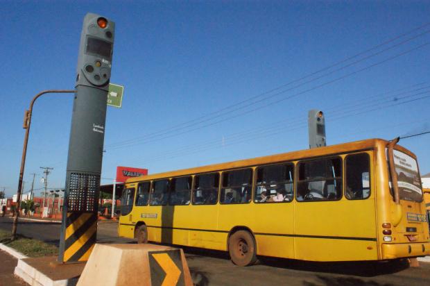 Acordo entre prefeitura e Detran vai livrar condutores de multas - Crédito: Foto : Hédio Fazan/PROGRESSO