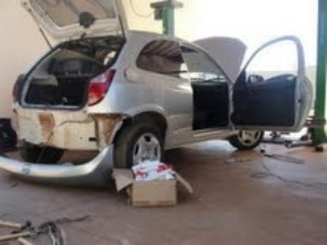 Haxixe estava escondido no parachoque do carro  - Crédito: Foto: Divulgação/PM
