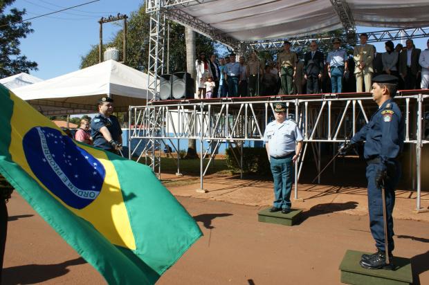 Autoridades fazendo reivindicações para Wantuir Jacini - Crédito: Foto: Hédio Fazan/PROGRESSO