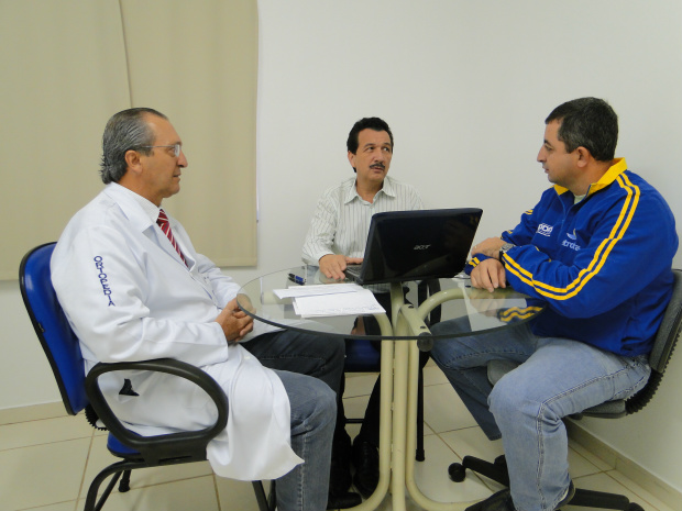 Antonio Humberto, Maurício Peralta e Leandro Francisco, parceria em prol do esporte - Crédito: Foto : Divulgação/Deuzim Machado