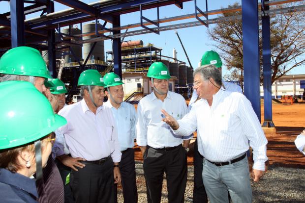 André Puccinelli durante visita às instalações da futura usina de Costa Rica - Crédito: Foto : Rachid Waqued