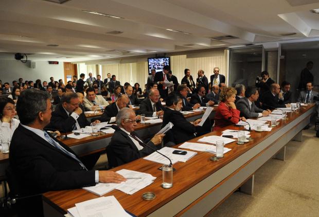 CCJ do Senado discutirá amanhã várias propostas para a reforma política - Crédito: Foto : Wilson Dias – Abr