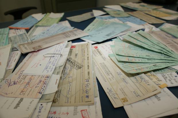 Empresas acumulam cheques sem fundo há vários anos; cartão é mais seguro - Crédito: Foto : Hedio Fazan/PROGRESSO