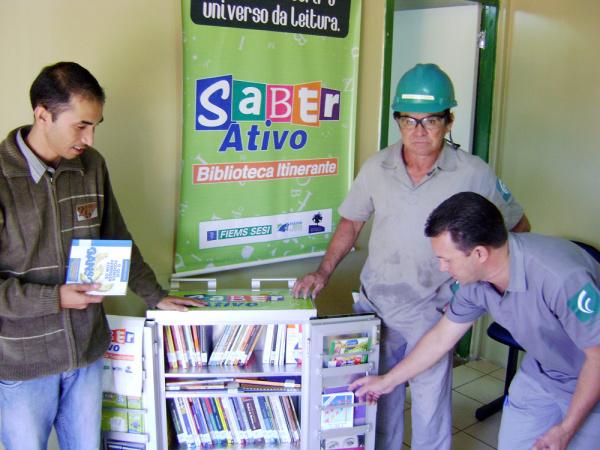 Biblioteca itinerante do Sesi leva leitura diversificada a industriários de MS - Crédito: Foto : Divulgação