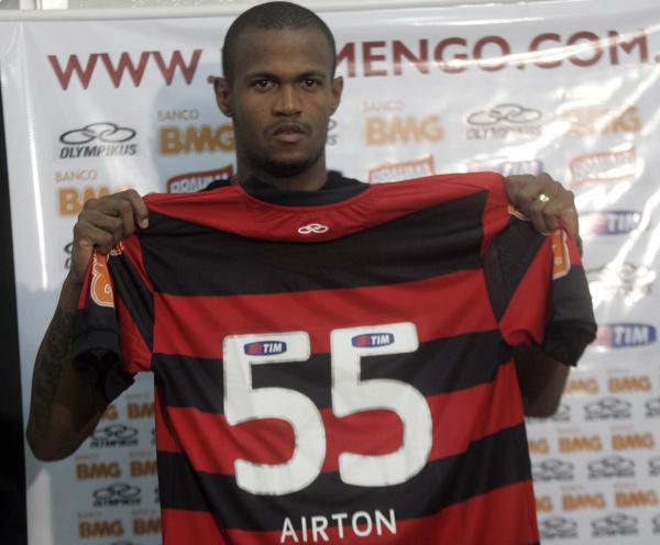 Airton, volante do Flamengo - Crédito: Foto: Fábio Borges/VIPCOMM