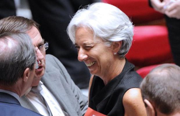 Christine Lagarde deixa o prédio da Assembleia Nacional da França, em Paris, nesta terça-feira - Crédito: Foto: AFP