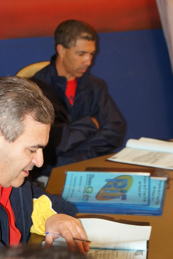 Fábio Dorta da TV RIT ao lado de Salim: jogos vão para o esporte nacional - Crédito: Foto : Marcelo Humberto/PROGRESSO