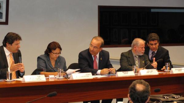 Ministro da Educação, Marçal Filho e membros das Comissões participantes - Crédito: Foto : Divulgação