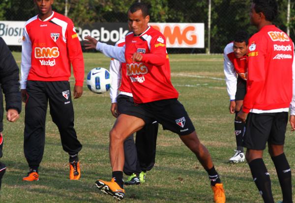 Experiente, Rivaldo quer Tricolor de cabeça erguida -