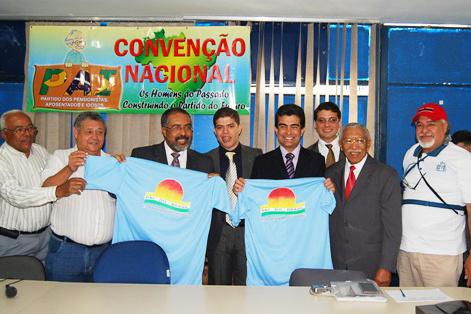 Marçal Filho e Paulo Paim durante a solenidade de lançamento do Partido dos Aposentados - Crédito: Foto : Divulgação