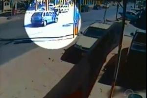 Câmera de segurança flagra atropelamento de jovem no DF -