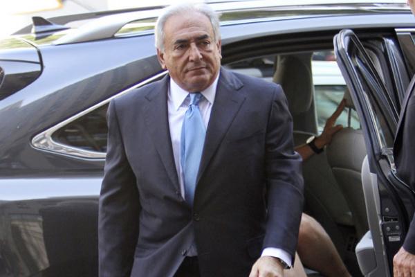O ex-chefe do FMI Dominique Strauss-Kahn chega ao tribunal nesta sexta-feira - Crédito: Foto: AP