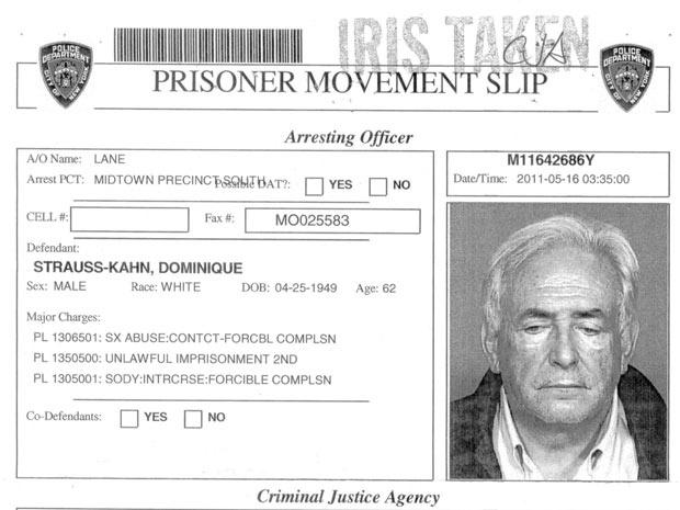 Ficha dr Dominique Strauss-Kahn na polícia de Nova York - Crédito: Foto: Reuters