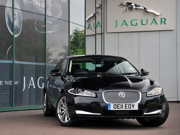 Jaguar XJ utiliza motor diesel 2.2 de 190 cv e 45,8 mkgf de torque - Crédito: Foto: Divulgação
