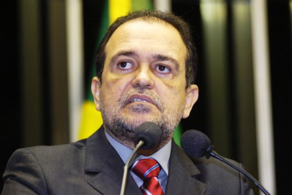 Pinheiro diz que muitas prestadoras de serviços são entidades de fachada - Crédito: Foto : Márcia Kalume – Agência Senado