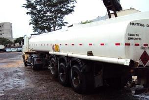 Caminhão-tanque com cigarros contrabandeados foi apreendido em MS - Crédito: Foto: Divulgação/DOF