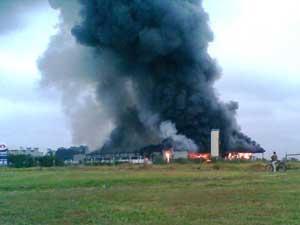 Incêndio atinge fábrica no interior de São Paulo nesta terça-feira - Crédito: Foto: Pedro Lemes/VNews