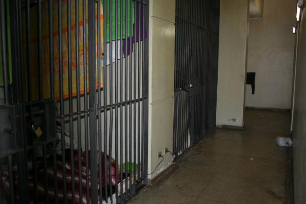Nova lei deve deixar as celas do 1º Distrito Policial vazias na cidade de Dourados Foto: Hédio Fazan -