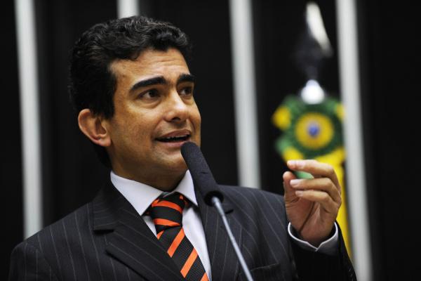 Marçal comemora decisão da CCJ que cria reajuste anual do piso nacional dos professores - Crédito: Foto: Divulgação