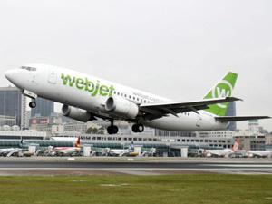Avião da Webjet decola do aeroporto Santos Dumont, no RJ - Crédito: Foto: Agência Estado