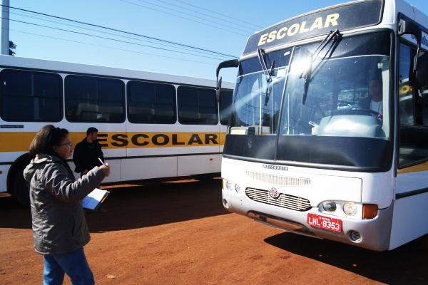 Transporte escolar vai passar por vistoria nos dias 8 e 9 de agosto em Dourados - Crédito: Foto: Hedio Fazan/PROGRESSO