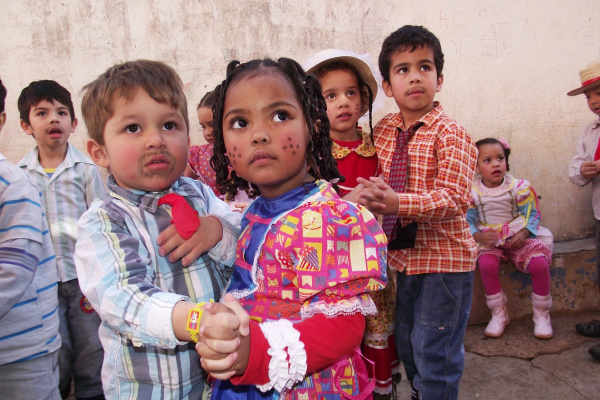 Crianças do Ceim Pequeno Príncipe fazem festa julina e entram em férias - Crédito: Foto: Silvia Helena