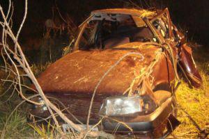 Motorista perdeu o controle do carro e capotou, diz polícia - Crédito: Foto: Cido Costa/Dourados Agora
