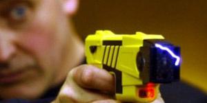 Arma de taser - Crédito: Foto: PA