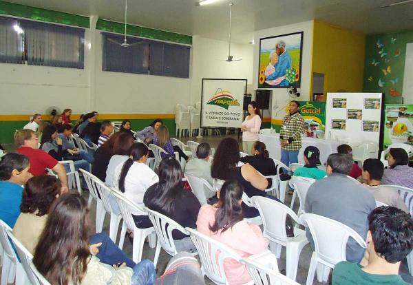 O encontro reuniu centenas de representantes da sociedade -