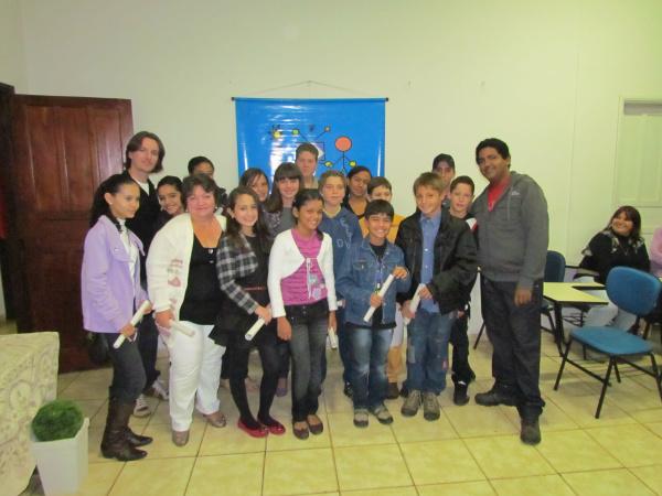 Desta vez foram 25 alunos que terminaram os seis meses de aulas - Crédito: Foto : Divulgação