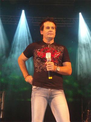 Dudu di Valença em foto tirada durante uma de suas apresentações como cantor - Crédito: Foto: Divulgação/Arquivo Pessoal