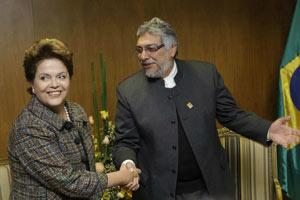 O presidente paraguai Fernando Lugo, em encontro com Dilma Rousseff no final de junho  - Crédito: Foto: Jorge Saenz / Ap Photo