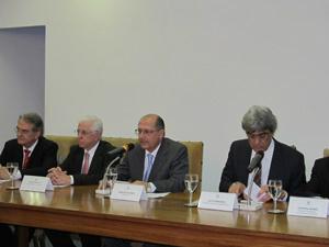 Alckmin anunciou aumento escalonado em dois anos para policiais militares, civis e agentes de segurança e escolta - Crédito: Foto: Letícia Macedo/ G1