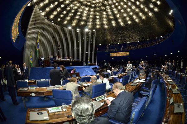 Plenário discutiu MP que definiu regras para licitações de obras da Copa de 2014 - Crédito: Foto: Waldemir Barreto – Agência Senado
