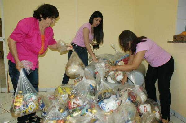 Última doação do 'Mesa 20' atendeu a Rede Feminina com 40 cestas básicas - Crédito: Foto: Hedio Fazan/PROGRESSO