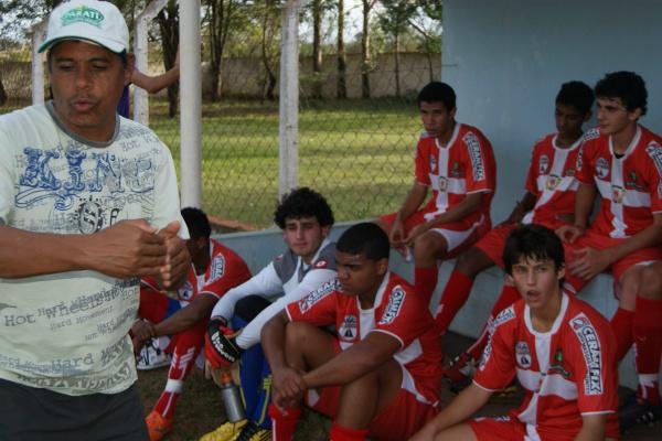 Técnico Jair Gomes terá a missão de colocar a casa em ordem para vencer em casa - Crédito: Foto:  Marcelo Humberto/PROGRESSO