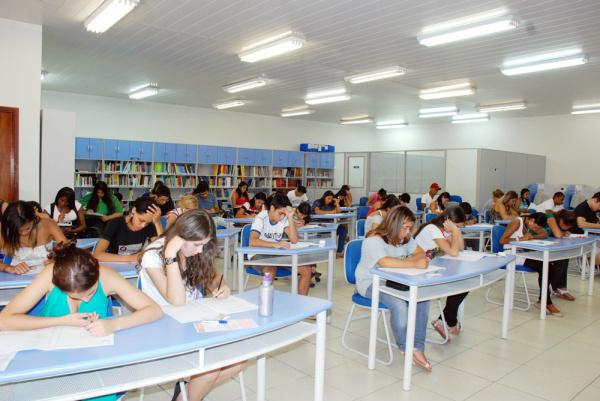 Mais de 900 candidatos fizeram as provas para os cursos do Sesi ontem na Capital - Crédito: Foto: Divulgação