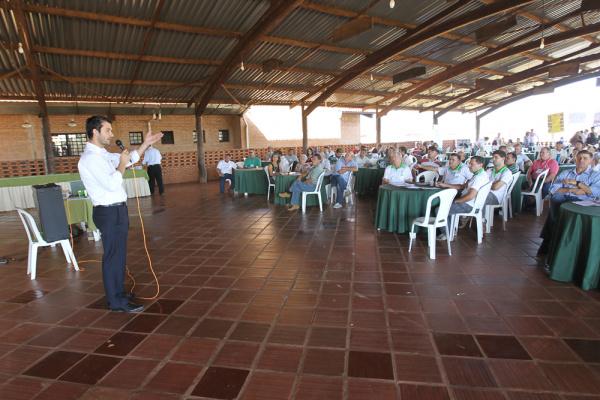 Apicultores de todo Estado durante encontro realizado em Três Lagoas - Crédito: Foto: Marco Miatelo