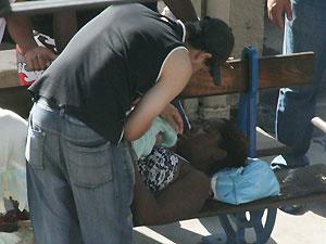 Grávida deu à luz um menino na estação de trem de Campo Grande, na Zona Oeste do Rio, nesta segunda-feira - Crédito: Foto: Jadson Marques/AE