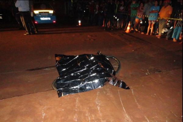 Gestante de 5 meses, adolescente morreu atropelada por um caminhão na W-7 - Crédito: Foto: Cido Costa