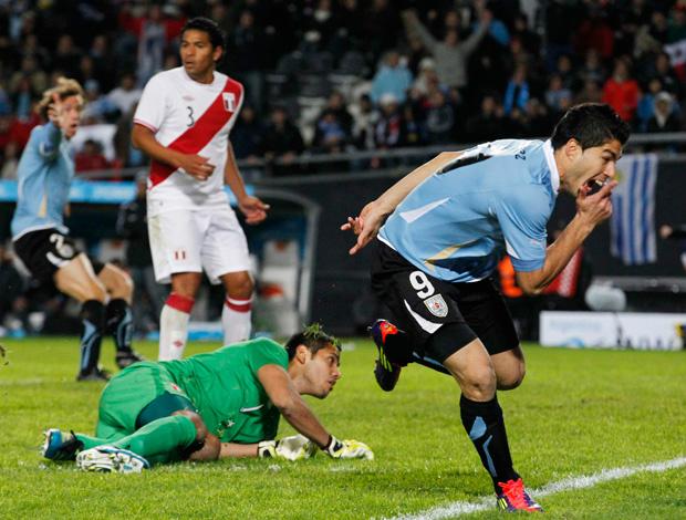 Suárez coloca a bola para dentro: Uruguai está na final da Copa América - Crédito: Foto: Reuters