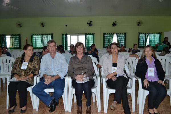 O prefeito Edson de David e a secretária de Assistência Social Sueli Valotta de David participaram da Confe-rência de Assistência Social - Crédito: Foto: Assessoria