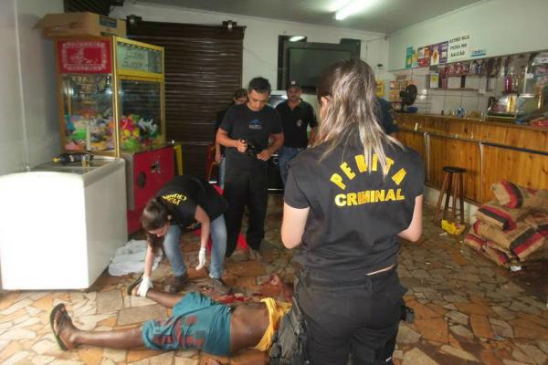 O Samu foi acionado, mas quando chegou a vítima estava morta. - Crédito: Foto: Cido Costa