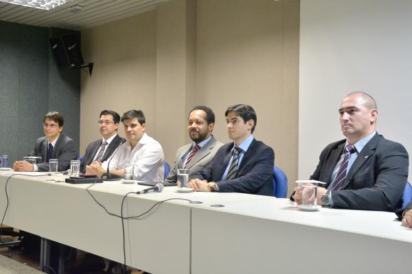 Promotores do MPE e procuradores federais lançaram Campanha 10 medidas contra Corrupção. - Crédito: Foto: Marcos Ribeiro