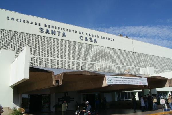 Impasse entre o governo municipal e a ABCG, entidade mantenedora da Santa Casa da Capital,  já resultou na falta de atendimento a 700 pessoas em quatro dias úteis de paralisação. - Crédito: Foto: Elvio Lopes