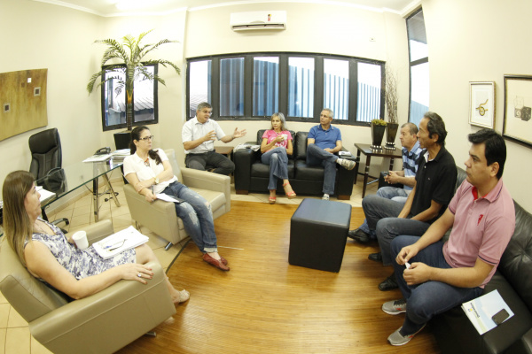 Comissão formada por secretários e vereadores vai cuidar do processo de regularização. - Crédito: Foto: Chico Leite