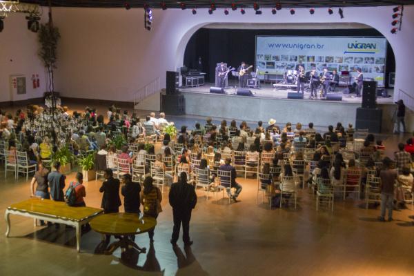 Abertura da Uniarte contou com artistas sul-mato-grossenses e atrações culturais. - Crédito: Foto: Unigran