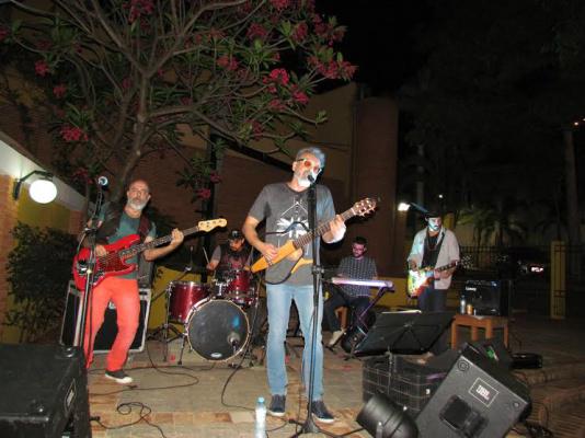 Jerry & Barbados durante estreia da nova banda no Sexta no Sesc, na Morada dos Baís, na noite da última sexta-feira - Crédito: Foto: Elvio Lopes
